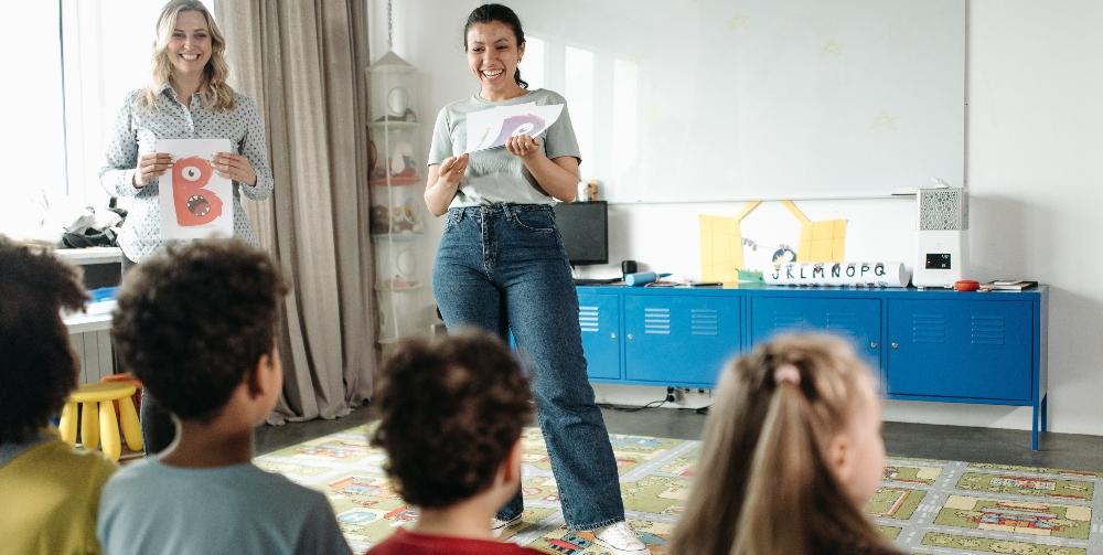 teacher presenting during her teaching observation